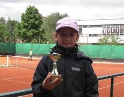 Vítězka kategorie žáci do 9 let - Kristýna Mecová.